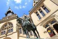 Louis-Ier-Duc-Orleans-satue-equestre