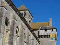Abbatiale-de-Saint-Jouin-de-Marnes-machicoulis