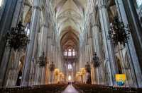 nef-vaisseaux-central-cathedrale-bourges