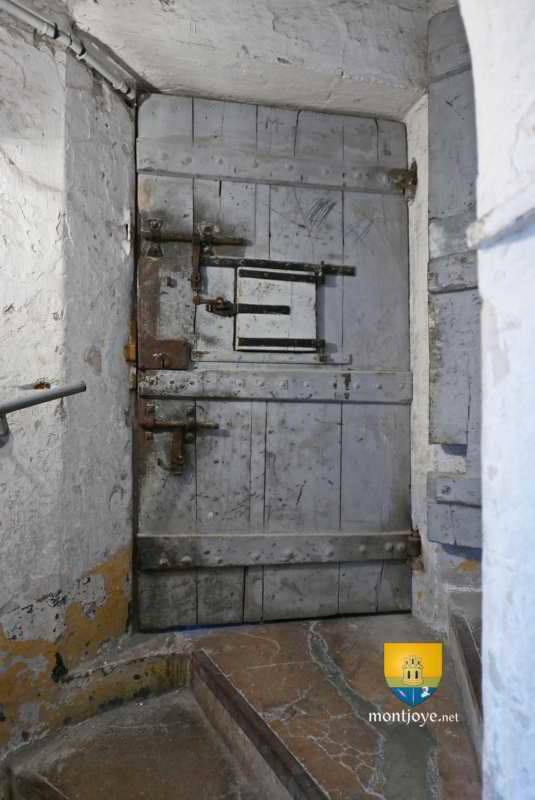 Tour de la mal coiff e palais ducal de moulins prison for Laporte jail