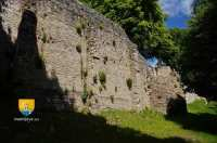 contreforts-fort-chateau-enceinte