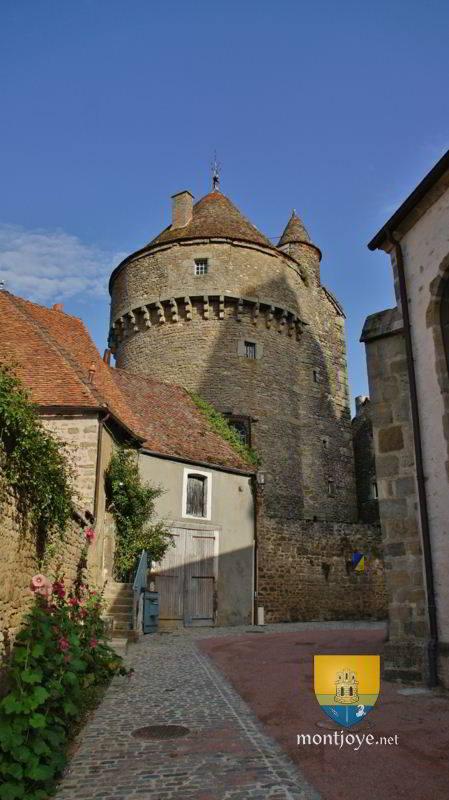 Tour Arnay le Duc